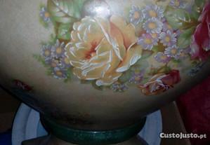 Pote pintado à mão