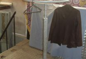 Expositor roupa redondo 80 diametro altura afinaça