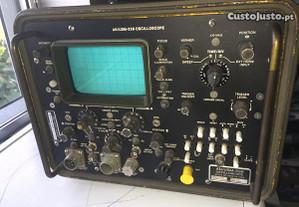 Osciloscópio HP marinha americana de 1972
