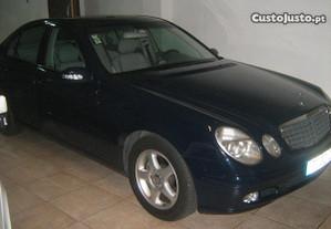 Mercedes-Benz E 220 CDI - 02