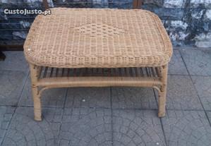 Mesa centro / apoio em vime / verga / bambu