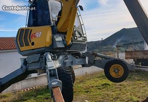 Escavadora Aranha Menzi Muck A91