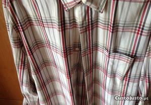 Camisa Timberland (tamanho M mas modelo largo)