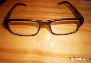 Óculos de leitura+1.50, de Óptica, novos.