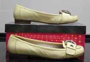 Sapatos de senhora em verniz amarelo Stefanel