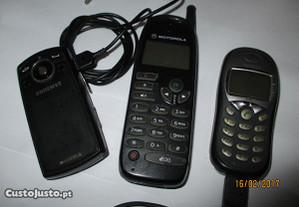 3 telemóveis antigos
