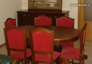 Mesa de Sala com 6 Cadeiras.
