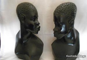 Artesanato de Cabinda busto de mulher e de homem