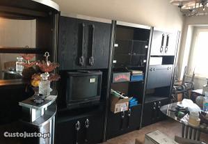 Mobília completa p/ casa habitação em bom estado