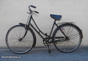Bicicleta Pasteleira de Senhora Lisette
