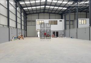 Pavilhões Para Em Zona Industrial Com Óptimos...