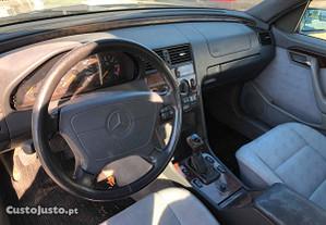 Mercedes-Benz C 220 2.2