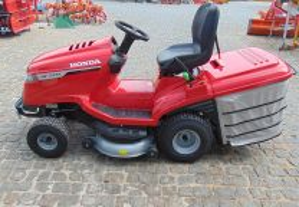 Trator de Cortar Relva Honda HF2417HM - 2020 - 530