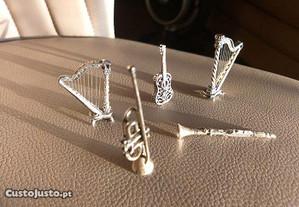 Coleção especial de instrumentos musicais de prata (5)