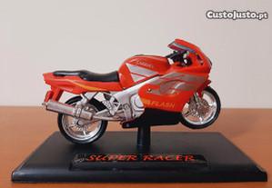 Moto Super Racer Carrera 750R