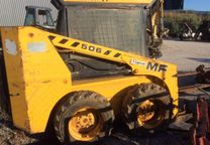 Trator-Mini Carregadora MF506 para reparação