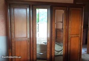 Mobiliário em excelente estado de conservação