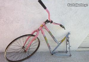 bicicleta para peças ou arranjo quadro