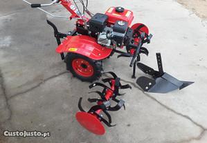 Motoenxada com caixa - Com rodas 400x8 - 7.5 cv