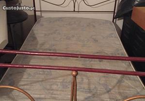 Cama de ferro de solteiro com colchão