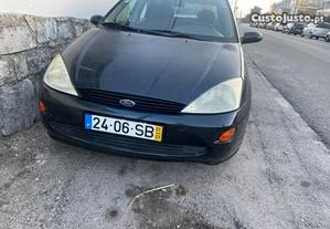 Ford Focus 1.4 gasolina - 01