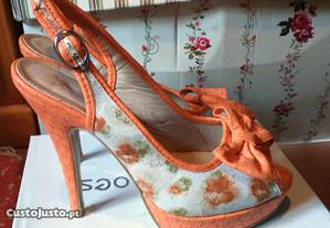 Sandálias laço laranja