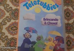 VHS Teletubbies Brincando à Chuva