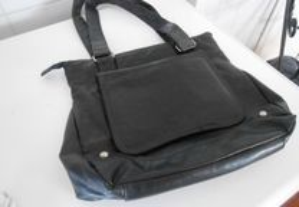 Carteira-mala de senhora em preto