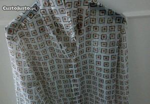 Blusa fina transparente com mangas