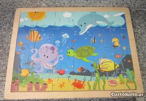puzzle grande em madeira o mar 40x30cm