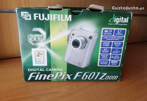 Camara digital Fine Pix F601 Zoom
