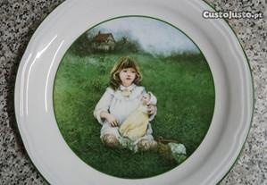 Prato em porcelana de Ana Muñoz de 1984