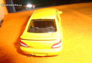 Subaru Impreza WRX STI 1/43 Maisto Amarelo