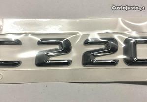 Simbolo Mercedes C220
