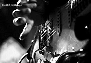 Aulas de - Guitarra - Baixo - Percussão - Ukulele - Piano