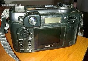 Sony Cyber-shot DSC-S85 4.0 MP