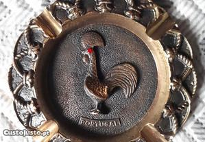 Cinzeiro Decorativo em Metal - Portugal