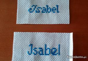 Tiras de nomes em ponto cruz