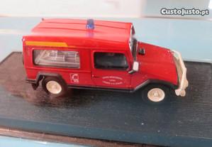 Miniatura jipe UMM Alter 4x4 Delprado bombeiros