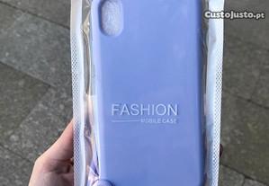 Capa de silicone com cordão iPhone XR / Cross body