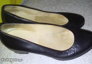 sapatos pretos baixos 36