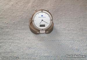 Relógio alusivo à Comp. Seguros Mundial Confiança