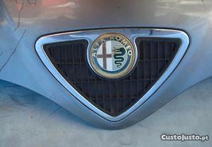 Alfa Romeo Grelha com letras símbolo legenda marca
