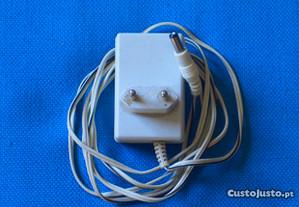 Fonte Alimentação de 230V AC 50Hz - 9V DC 150mA