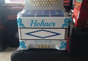 Concertina hohner ,3 voz ,branca/azul