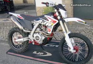 AJP SPR 310R - Nova - Novo modelo 2021