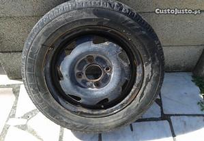 Jante de ferro com pneu 155/70R13 para Ford Fiesta