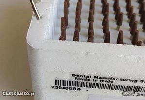Brocas acabamento R4 caixa 100 esqueleticas