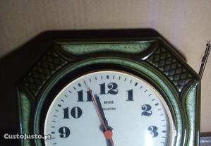 relógio de parede verde escuro em cerâmica Alemão