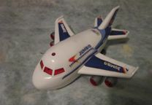 avião jumbo de brincar